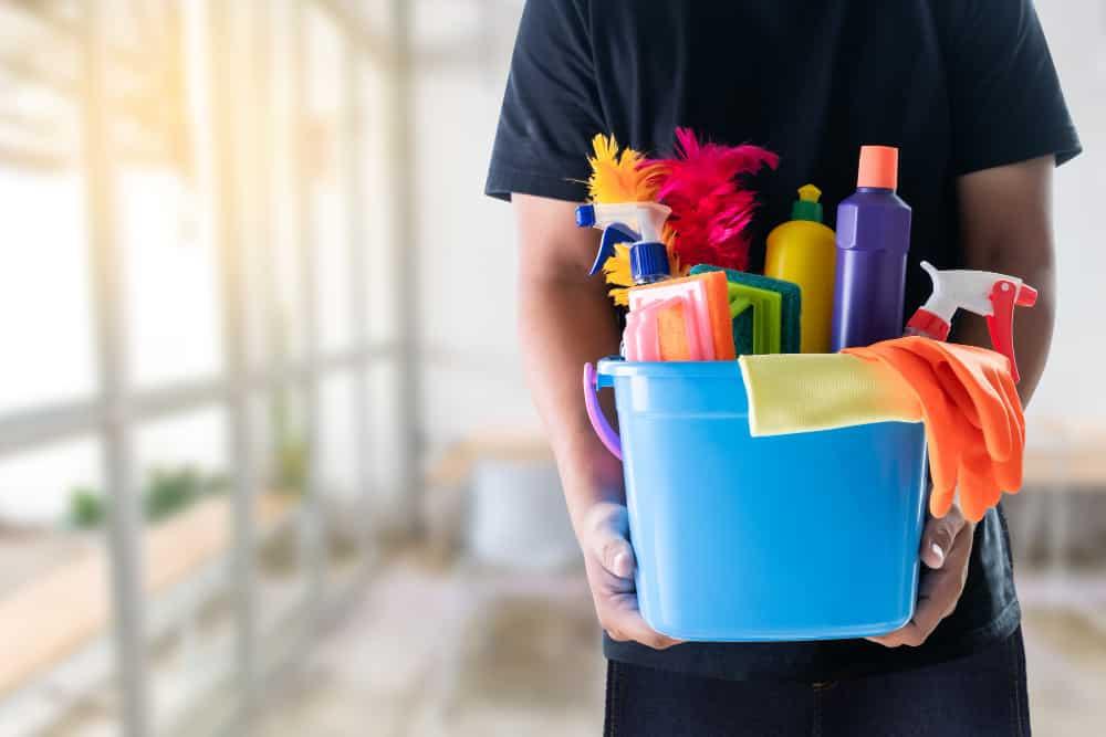 man cleaning service concept clean room office tools 101 Aneka Slogan Terkini untuk Pendidikan, Motivasi, Kesehatan dan Agama